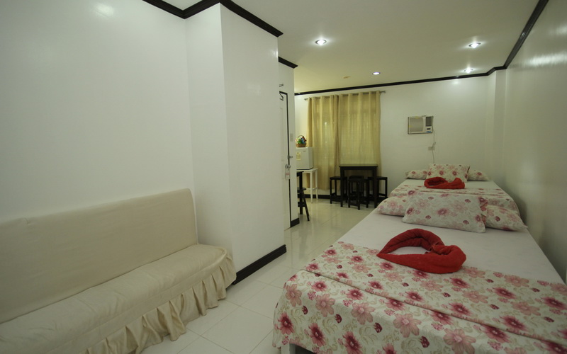 Boracay breeze resort boracay discount hotels free for Hotels with family rooms for 5