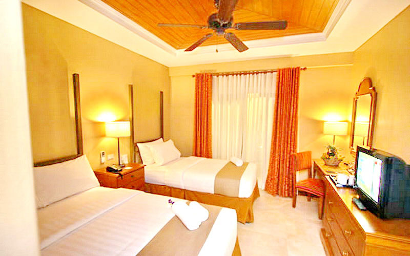 Crown Regency Prince Resort Boracay