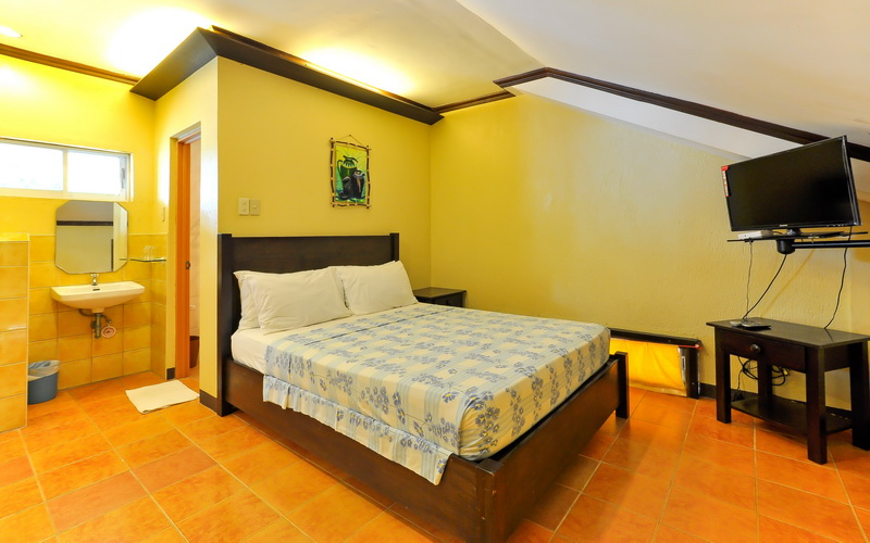 Marzon beach resort boracay discount hotels free for Hotels with family rooms for 5