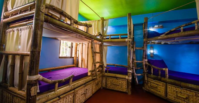 8 Bed Mixed Dorm Jeepney Hostel and Kite Resort Boracay