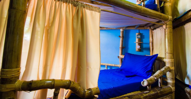 8 Bed Mixed Dorm Jeepney Hostel and Kite Resort Boracay