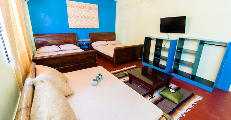 Suite Room with Balcony Jeepney Hostel and Kite Resort Boracay