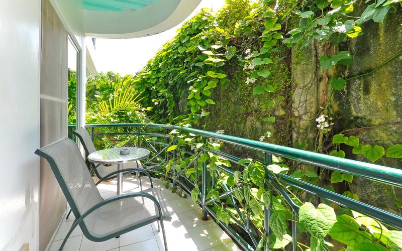 Roxon Apartments Boracay